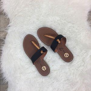 7FAM Sandals Size 11